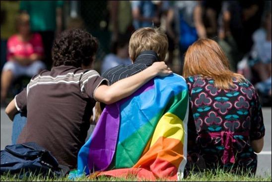 171298-politique-quebecoise-lutte-contre-homophobie